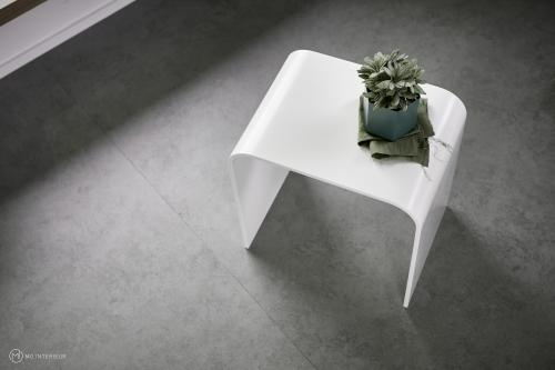 """nuc"" – Beistelltisch & Hocker aus Corian® 