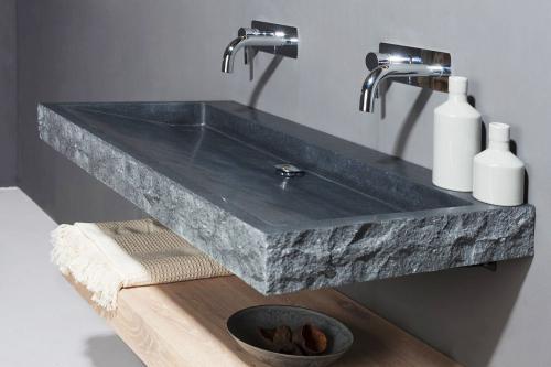 Waschtischplatte stein  Naturstein Waschtisch PALERMO GRANIT bossiert | Spa Ambiente